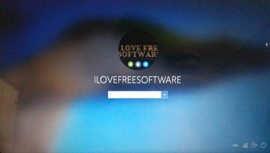 blur background in windows 10 login screen